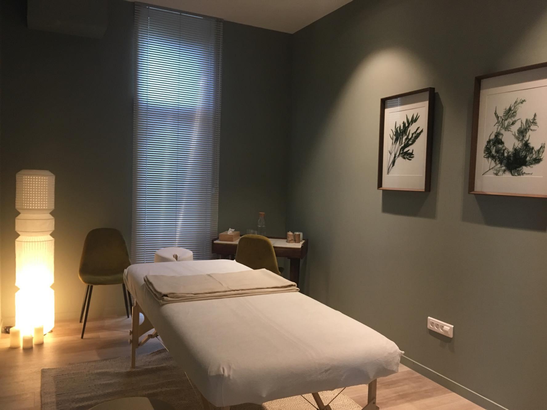 cabinet-massage-Holi